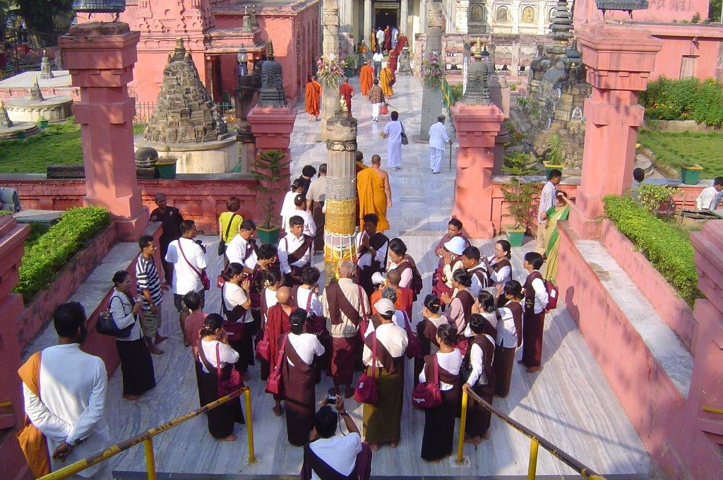 dentro-do-templo-de-mahabory