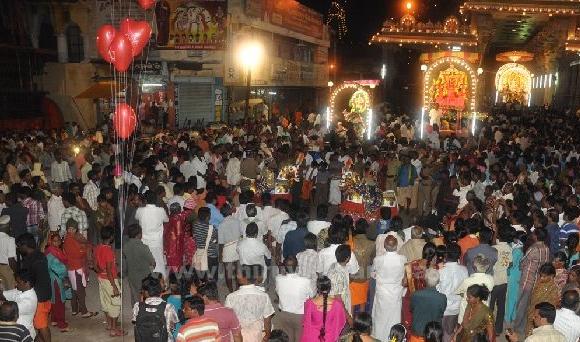 karthigai-deepam-2012-day1